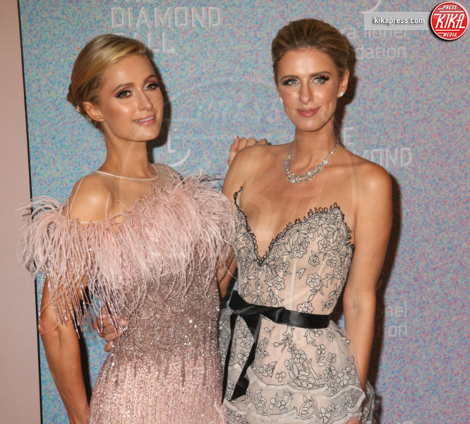 Nicky Hilton, Paris Hilton - New York - 13-09-2018 - Rihanna, sposa fascinosa e stravagante al Diamond Ball