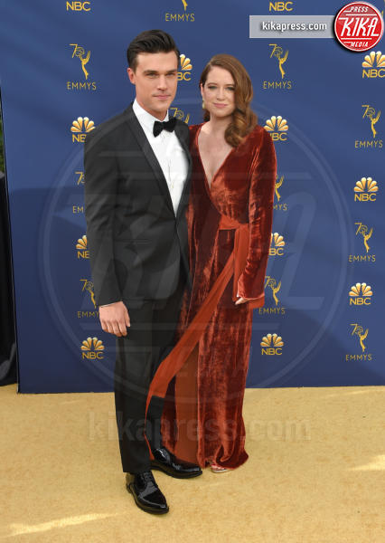 Sarah Roberts, Finn Wittrock - Los Angeles - 17-09-2018 - Emmy 2018: le coppie sul tappeto dorato