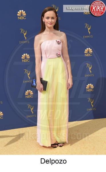 Alexis Bledel - Los Angeles - 17-09-2018 - Emmy 2018, gli stilisti sul tappeto dorato