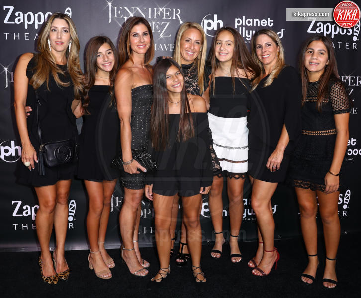 Jennifer Lopez Family - Las Vegas - 30-09-2018 - J Lo e Alex Rodriguez con le figlie sul red carpet di All I Have