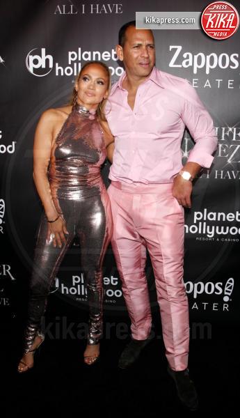 Alex Rodriguez, Jennifer Lopez - Las Vegas - 30-09-2018 - J Lo e Alex Rodriguez con le figlie sul red carpet di All I Have