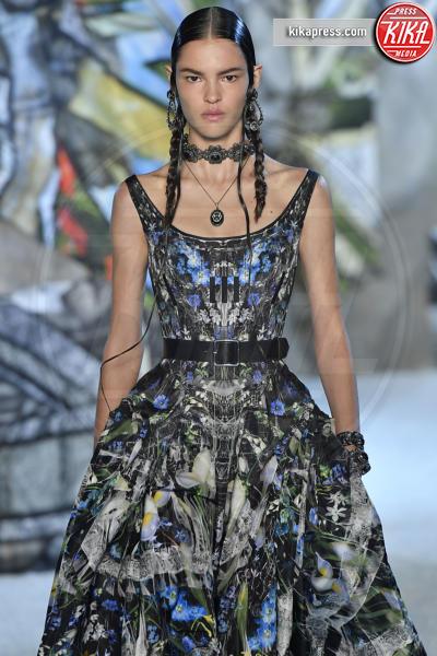 Matea Brakus, Sfilata Alexander McQueen - Parigi - 01-10-2018 - Paris Fashion Week: la Metamorphosis di Alexander McQueen