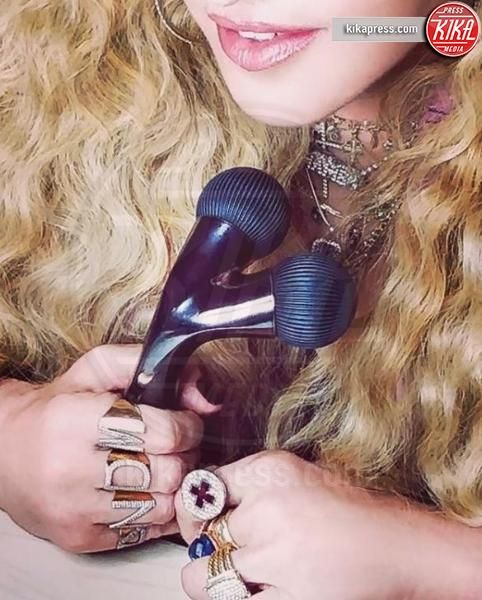 Madonna, la foto scatena il web: che figuraccia!