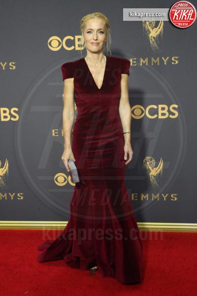 Gillian Anderson - Los Angeles - 17-09-2017 - Bella Thorne , per il compleanno un must: il velluto!