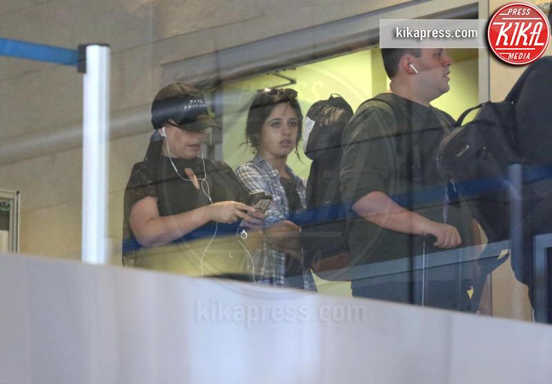 Camila Cabello - Los Angeles - 10-10-2018 - La Camila Cabello che non ti aspetti: performance in aeroporto
