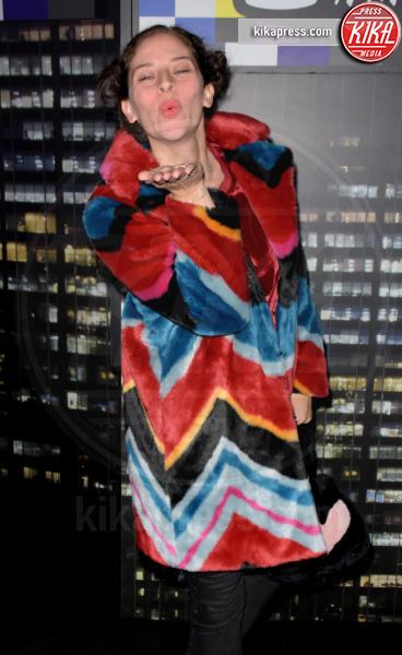 sfilata Moschino, Guest, H&M - NYC - 25-10-2018 - Moschino porta Naomi in passerella, Paris Jackson sul red carpet
