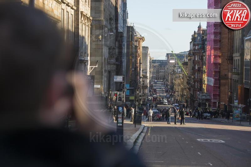 Hobbs and Shaw riprese - Glasgow - 28-10-2018 - Un uomo vestito da soldato semina panico a Glasgow