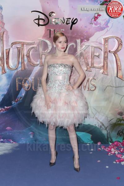 Ellie Bamber - Londra - 01-11-2018 - Lo Schiaccianoci debutta a Londra: il red carpet