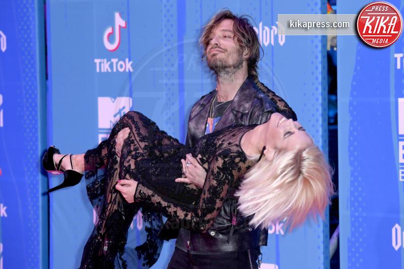 Adrian Roma, Ana fernandez - Bilbao - 04-11-2018 - Camila Cabello fa poker agli  MTV European Music Awards 2018