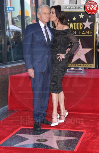 Catherine Zeta-Jones, Michael Douglas - Hollywood - 06-11-2018 - Michael Douglas, stella al bacio sulla Walk of Fame!