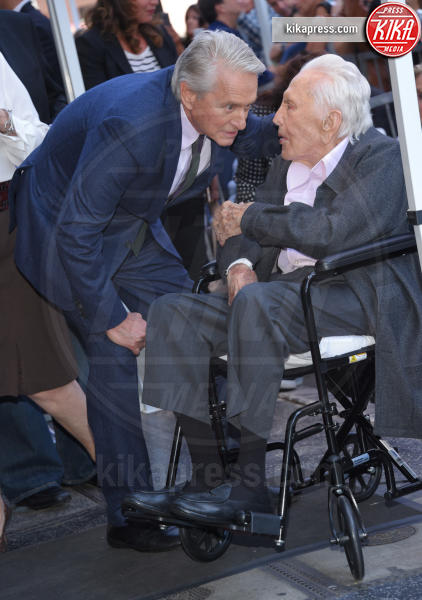 Hollywood - 06-11-2018 - Michael Douglas, stella al bacio sulla Walk of Fame!