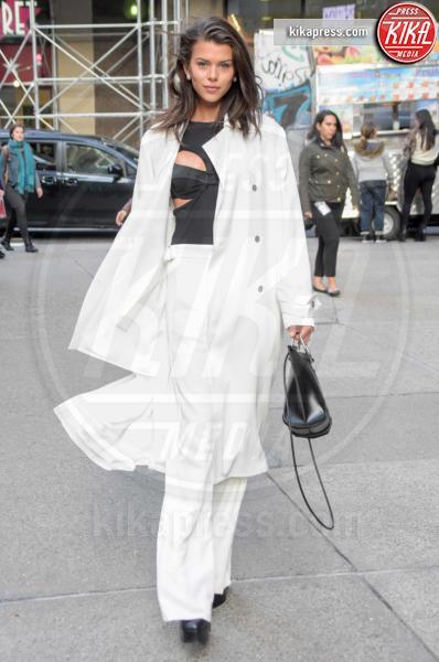 Georgia Fowler - NYC - 08-11-2018 - Gli angeli di Victoria's Secret: ultima prova prima dello show
