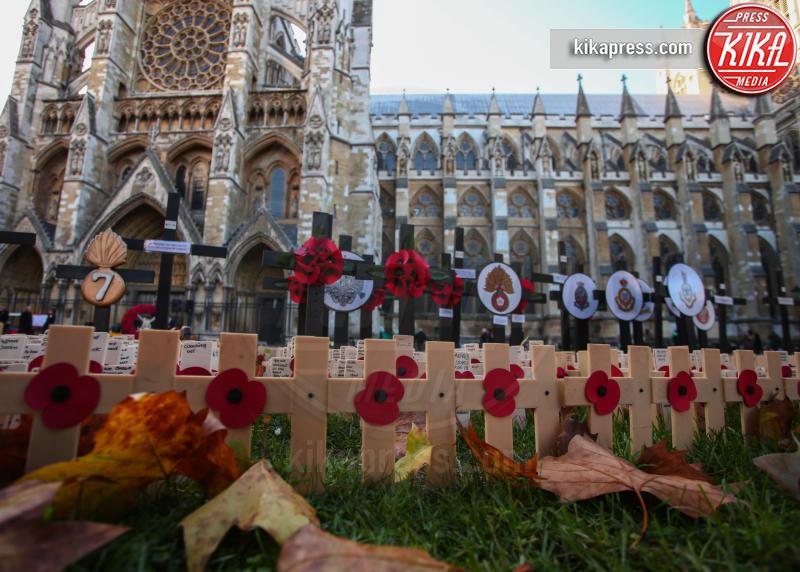 Londra - 08-11-2018 - Principe Harry: una croce in ricordo dei caduti di guerra