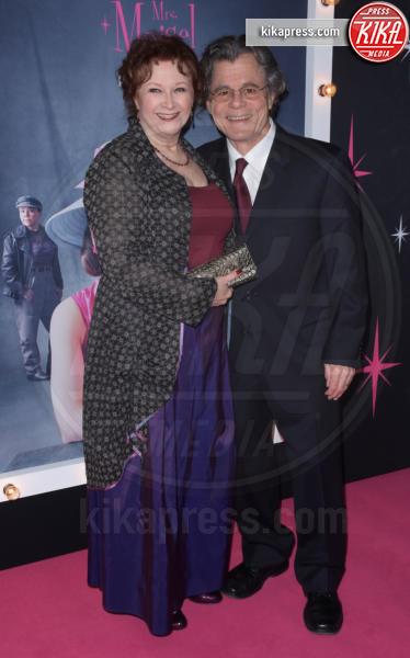 Guest - NYC - 30-11-2018 - Rachel Brosnahan bellissima e innamorata sul red carpet