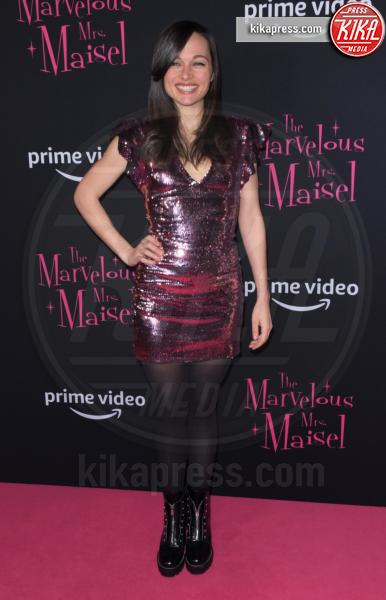 Lilli Stein - NYC - 30-11-2018 - Rachel Brosnahan bellissima e innamorata sul red carpet