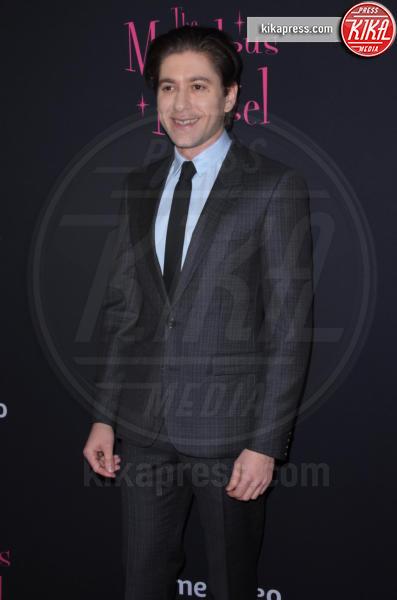 Michael Zegen - NYC - 30-11-2018 - Rachel Brosnahan bellissima e innamorata sul red carpet
