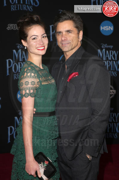 Caitlin McHugh, John Stamos - Hollywood - 30-11-2018 - Emily Blunt, première in bianco per Mary Poppins