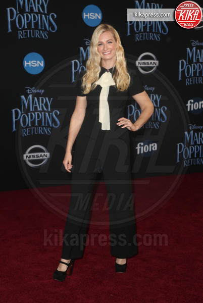 Beth Behrs - Hollywood - 30-11-2018 - Emily Blunt, première in bianco per Mary Poppins