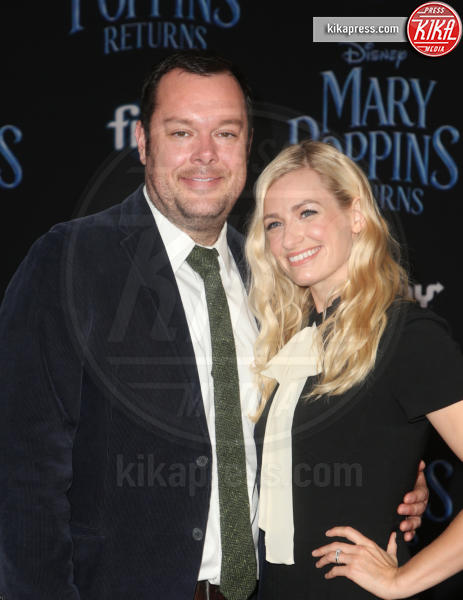 Michael Gladis, Beth Behrs - Hollywood - 30-11-2018 - Emily Blunt, première in bianco per Mary Poppins