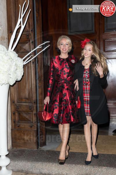 Maria Chiara di Borbone, Camilla di Borbone - 01-12-2018 - Principesse adolescenti sui troni d'Europa: le riconoscete?