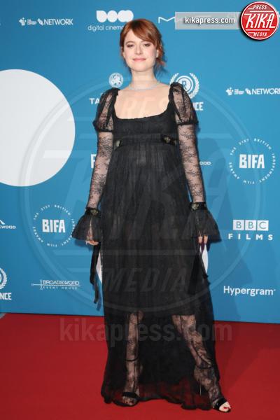 Jessie Buckley - Londra - 02-12-2018 - Emma Stone: Red Passion sul tappeto rosso dei BIFA 2018