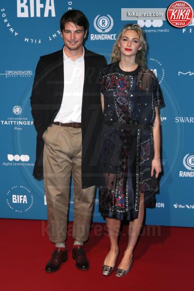 Tamsin Egerton, Josh Hartnett - Londra - 02-12-2018 - Emma Stone: Red Passion sul tappeto rosso dei BIFA 2018