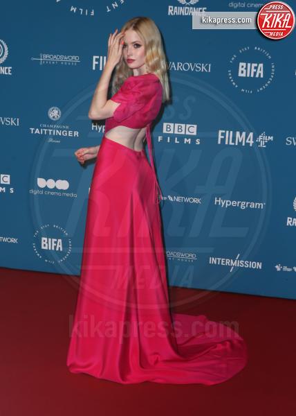 Ellie Bamber - Londra - 02-12-2018 - Emma Stone: Red Passion sul tappeto rosso dei BIFA 2018