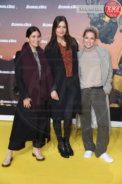 Merle Collet, Chryssanthi Kavazi, Susan Hoecke - Berlino - 03-12-2018 - Hailee Steinfeld: lace-up mozzafiato alla premiere di Bumblebee