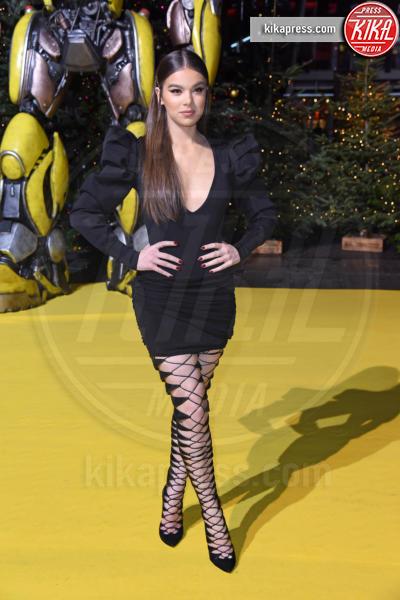 Hailee Steinfeld - Berlino - 03-12-2018 - Hailee Steinfeld: lace-up mozzafiato alla premiere di Bumblebee