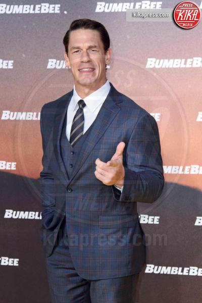 John Cena - Berlino - 03-12-2018 - Hailee Steinfeld: lace-up mozzafiato alla premiere di Bumblebee