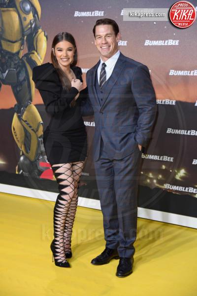 Hailee Steinfeld, John Cena - Berlino - 03-12-2018 - Hailee Steinfeld: lace-up mozzafiato alla premiere di Bumblebee