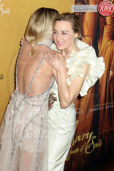 Margot Robbie, Saoirse Ronan - New York - 04-12-2018 - Maria Regina di Scozia: il red carpet di New York