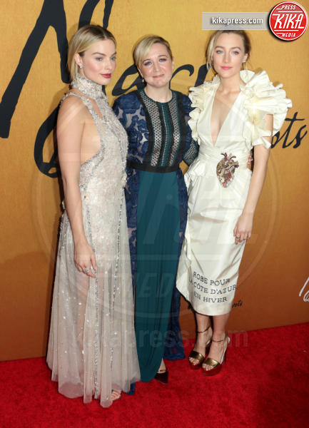 Josie Rourke, Margot Robbie, Saoirse Ronan - New York - 04-12-2018 - Maria Regina di Scozia: il red carpet di New York