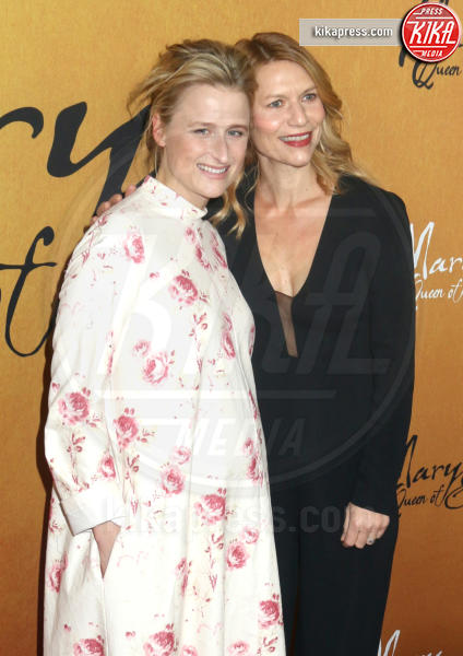 Mamie Gummer, Claire Danes - New York - 04-12-2018 - Maria Regina di Scozia: il red carpet di New York