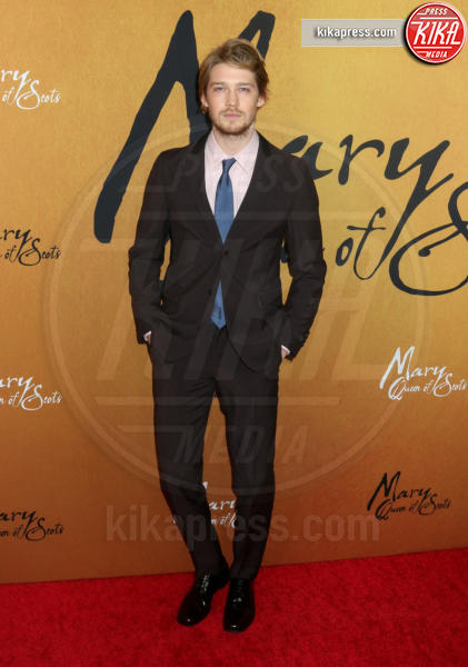 Joe Alwyn - New York - 04-12-2018 - Maria Regina di Scozia: il red carpet di New York