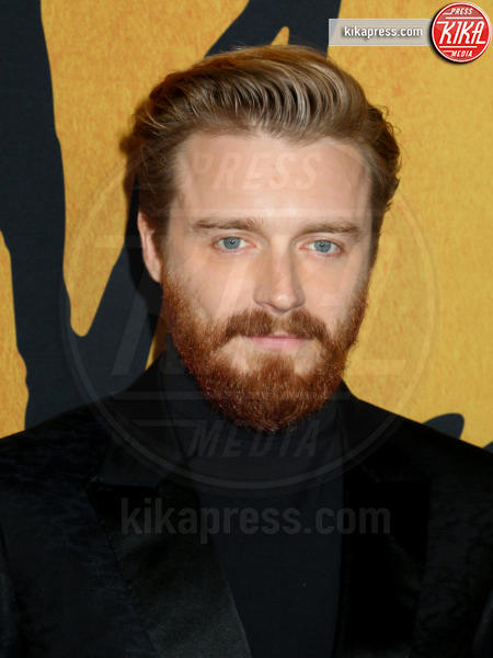 Jack Lowden - New York - 04-12-2018 - Maria Regina di Scozia: il red carpet di New York