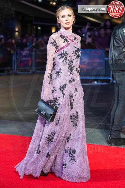 Laura Bailey - Londra - 15-10-2017 - Nicole Kidman e Laura Bailey: chi lo indossa meglio?