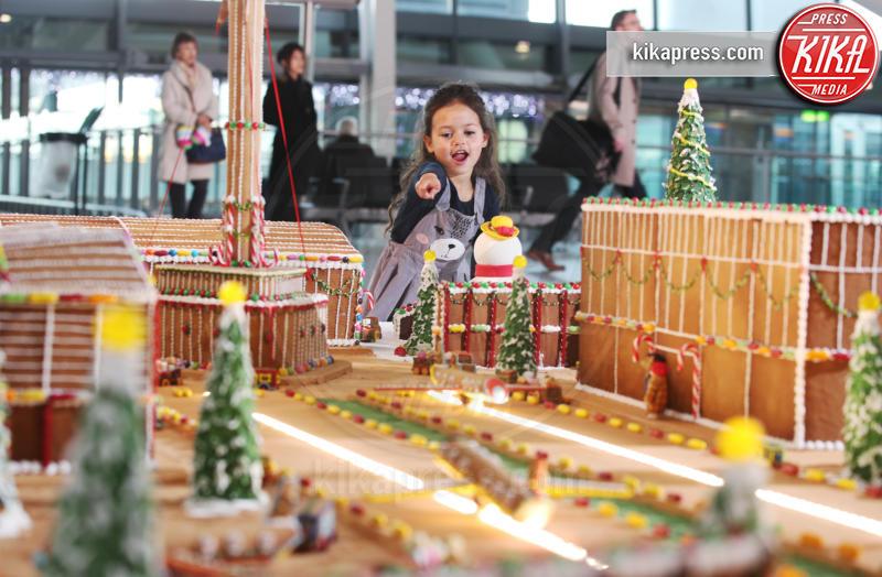 Atmosphere - Londra - 13-12-2018 - L'opera dolce all'aeroporto di Heatrow che fa venire l'acquolina