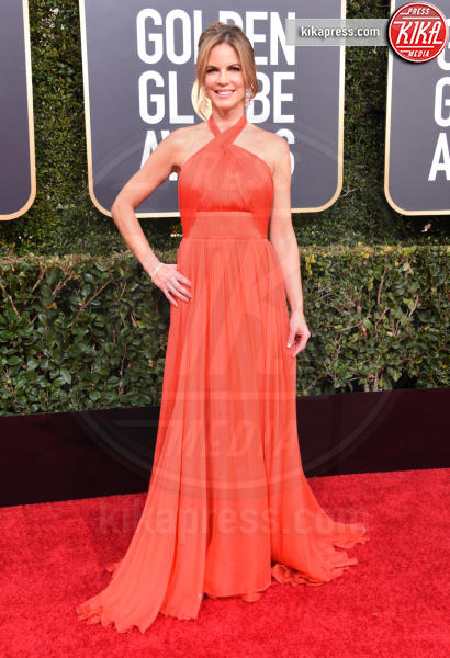 Natalie Morales - Beverly Hills - 06-01-2019 - Golden Globe 2019: sul red carpet vince... il rosso!