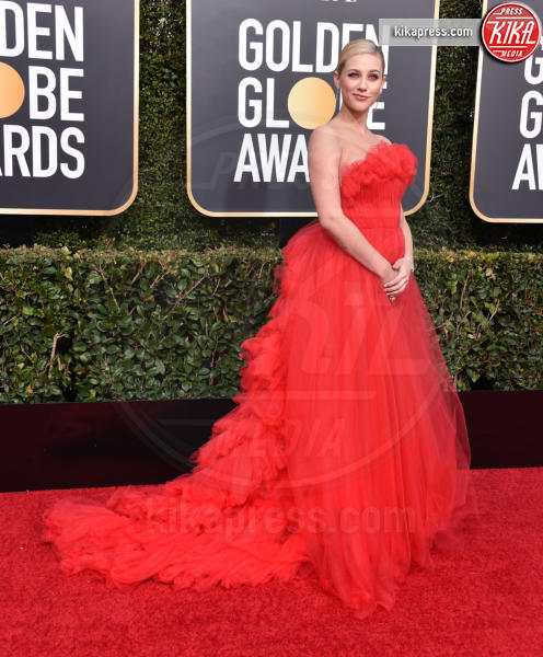 Lili Reinhart - Beverly Hills - 06-01-2019 - Golden Globe 2019: sul red carpet vince... il rosso!