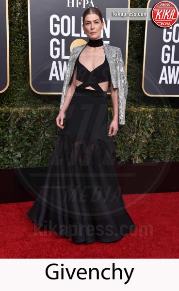 Rosamund Pike - Beverly Hills - 06-01-2019 - Golden Globe 2019: gli stilisti sul red carpet