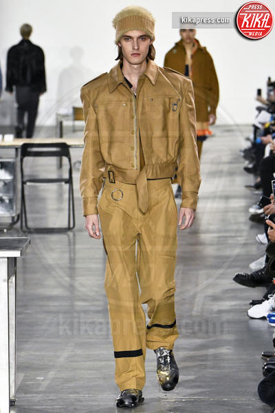 London Fashion Week Men's Show - Londra - 06-01-2018 - London Men's Fashion Week: lo stile è... degli stranieri!