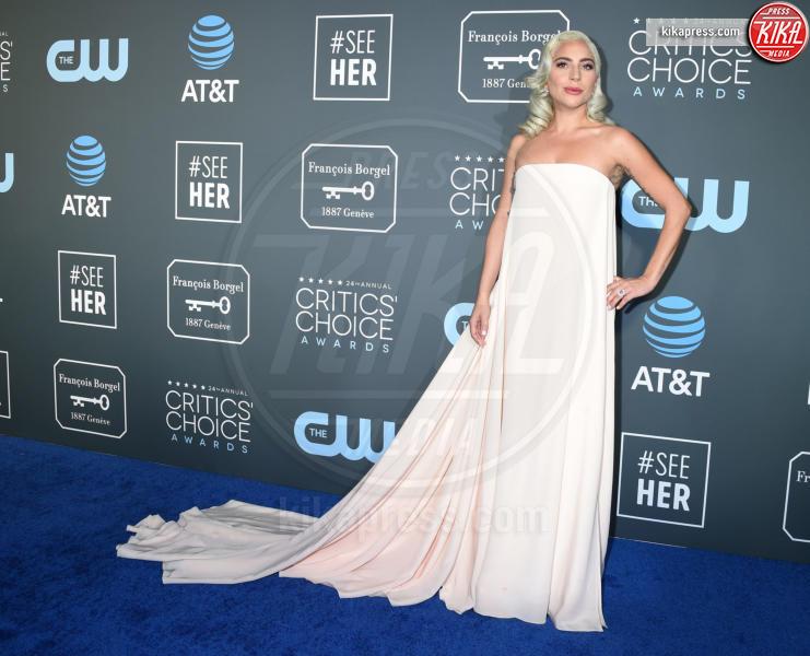 Lady Gaga - Santa Monica - 13-01-2019 - Lady Gaga: una dea greca ai Critics' Choice Awards