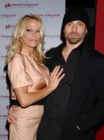 Rick Salomon, Pamela Anderson - Las Vegas - 16-11-2007 - Non c'è due senza tre... star dal SI' facile