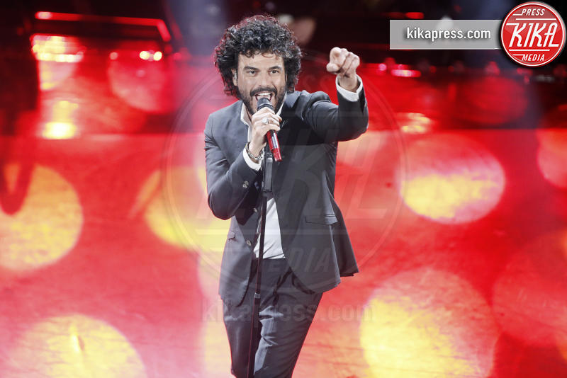 07-02-2019 - Sanremo, bufera su Francesco Renga al Dopofestival
