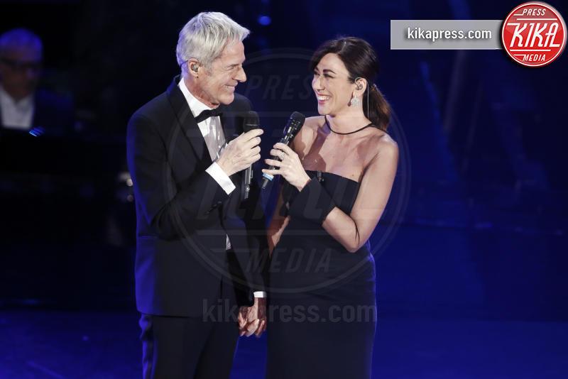 10-02-2019 - Sanremo 2019, ultimo atto, Elisa commuove con l'omaggio a Tenco