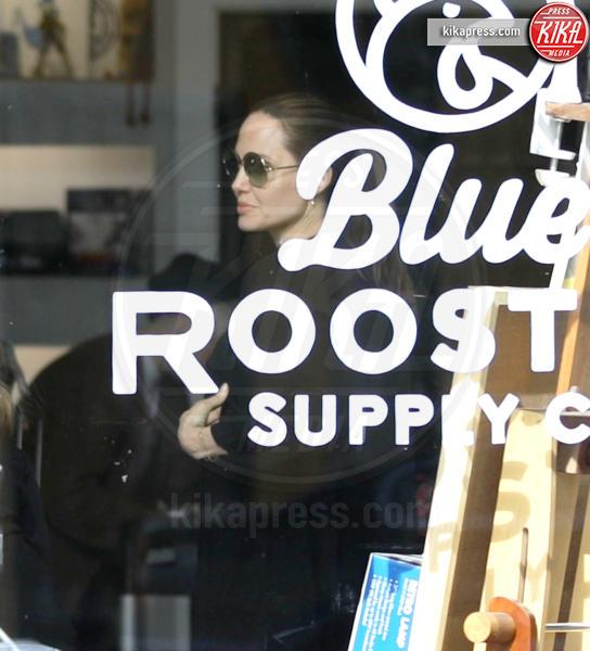 Angelina Jolie - Los Angeles - 17-02-2019 - Mentre Brad pensa all'ex Aniston,  Angelina solo ai loro figli