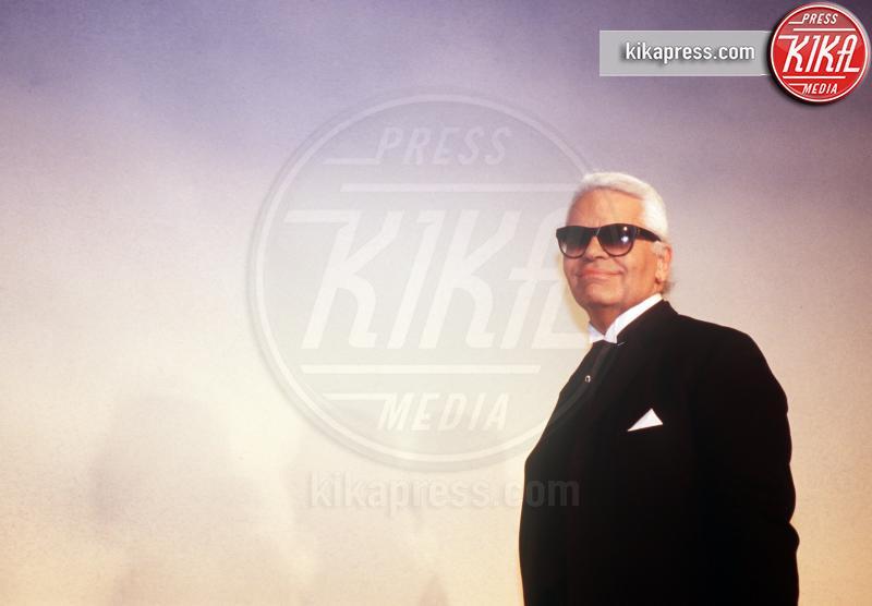 Karl Lagerfeld - Parigi - 23-01-2001 - Jameela Jamil contro Lagerfeld: