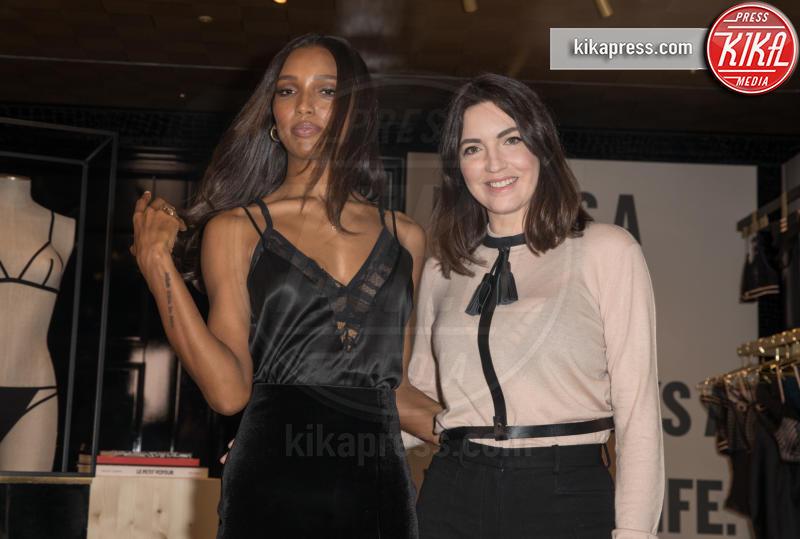Lisa Chavy, Jasmine Tookes - Londra - 20-02-2019 - Jasmine Tookes, sexy Angelo nero di Victoria's Secret per Livy