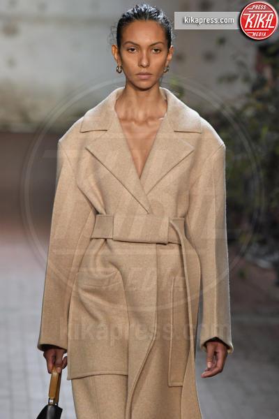 Sfilata Jil Sander, Model - Milano - 20-02-2019 - Milano Fashion Week: rigore e volumi per la sfilata Jil Sander